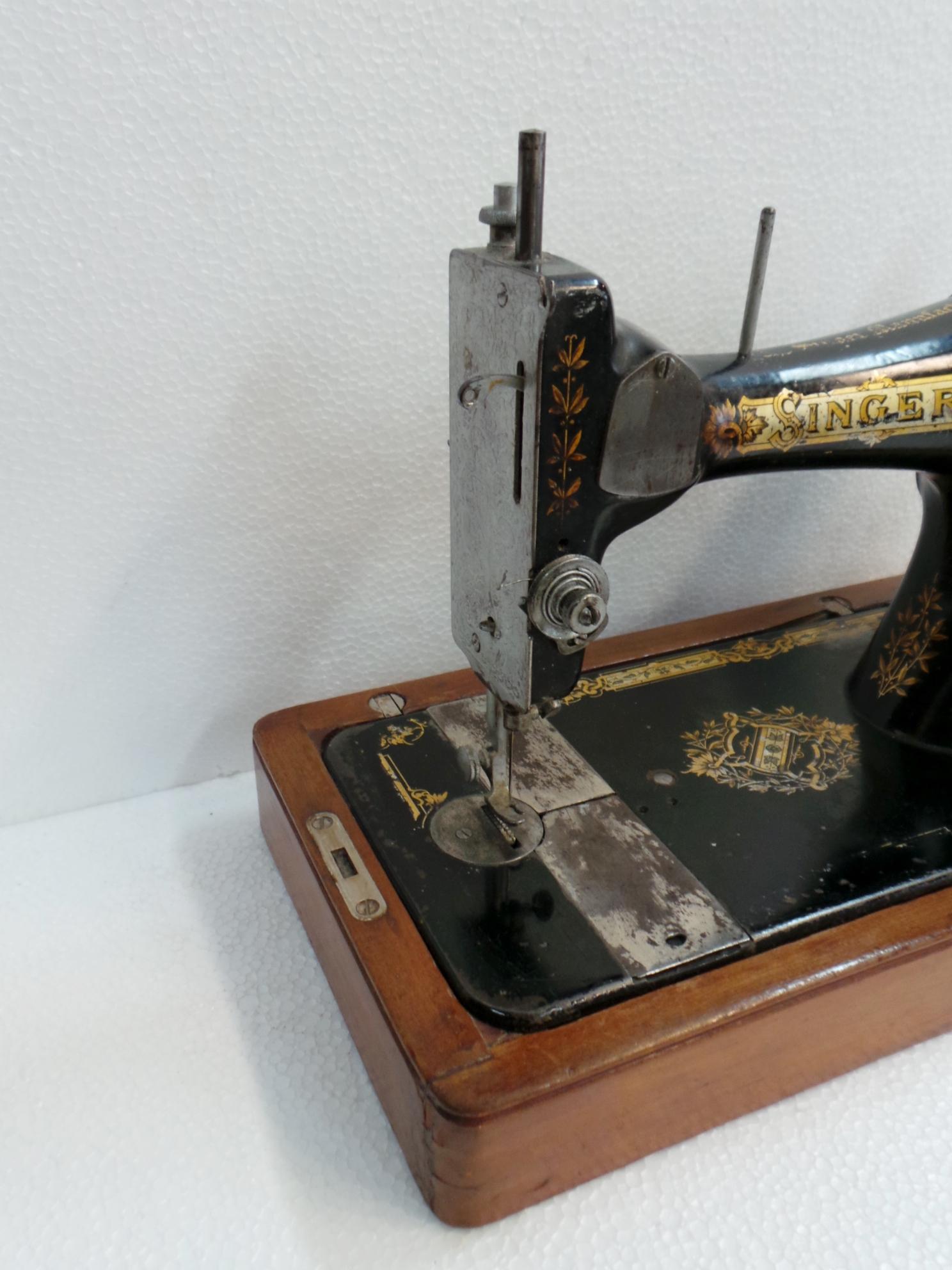 macchina da cucire singer da tavolo dettaglio