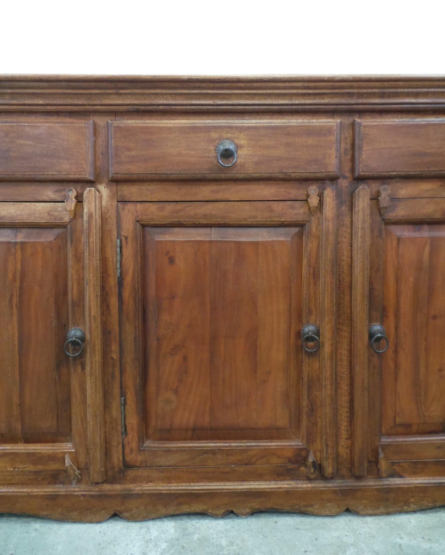 Credenza tre cassetti sportelli legno esotico dettaglio - Mobili tre ci ...